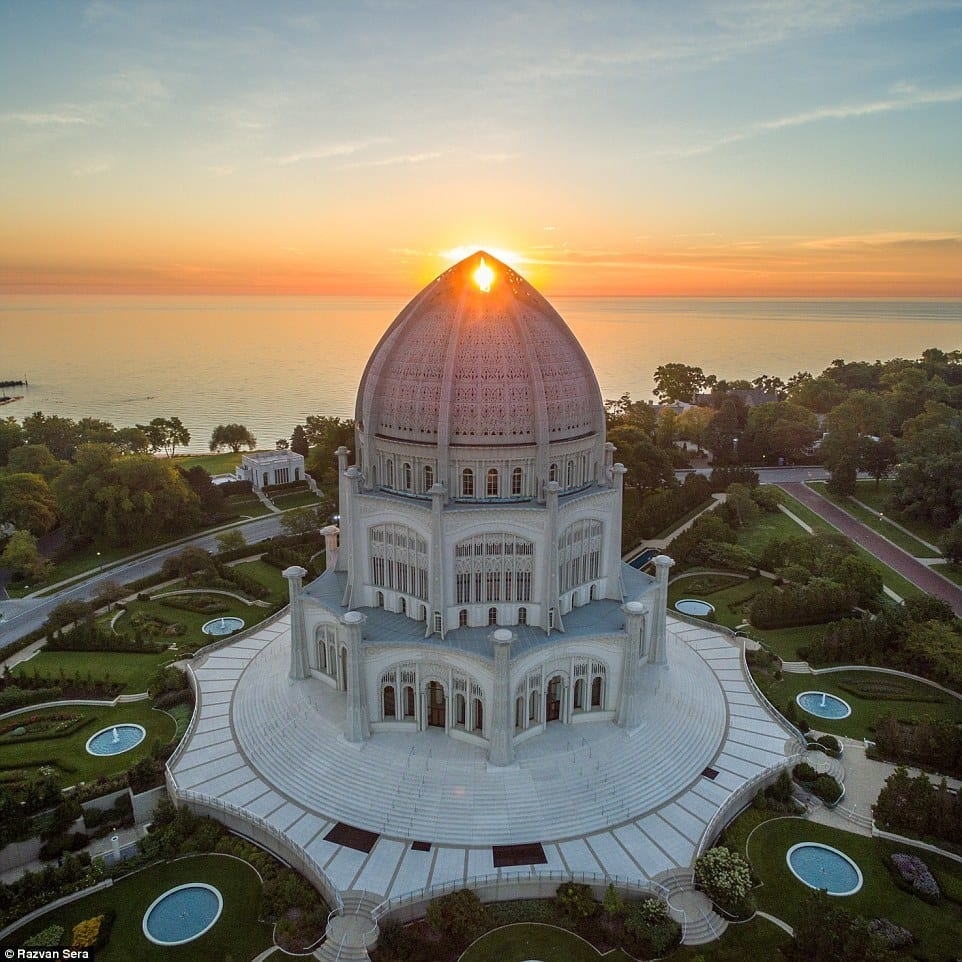 User @razdood perfectly captured the Bahá