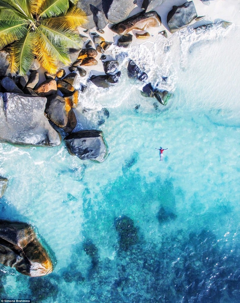 The turquoise waters and golden sands of Seychelles looks dreamy when @brahmino