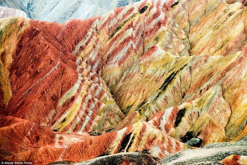 А это вроде бы толстое разноцветное шерстяное одеяло? оптические иллюзии, природа