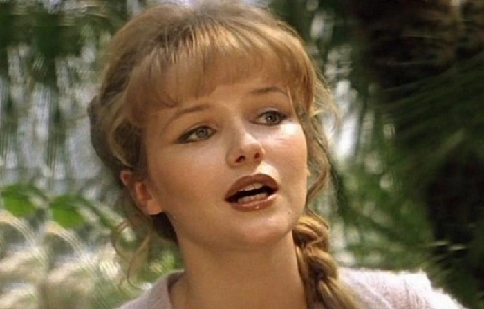 Яркая красивая молодая актриса громко заявила о себе с первого же своего фильма в откровенной сцене с Леонидом Филатовым в «Экипаже».