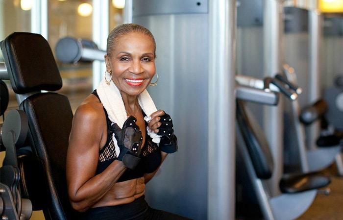 oldest-female-bodybuilder-grandma-80-year-old-ernestine-shepherd-8