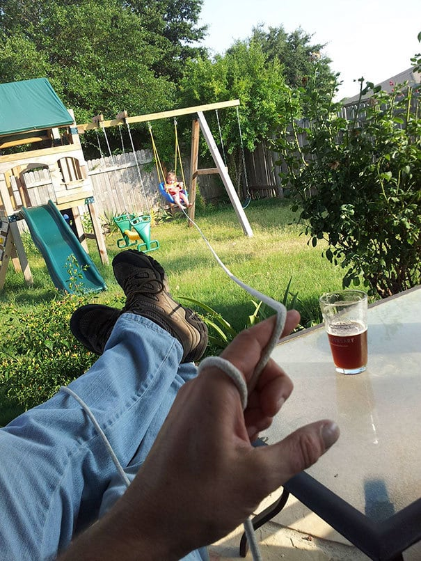 Use A Long Rope To Help Your Kids To Swing While Enjoying Your Drink