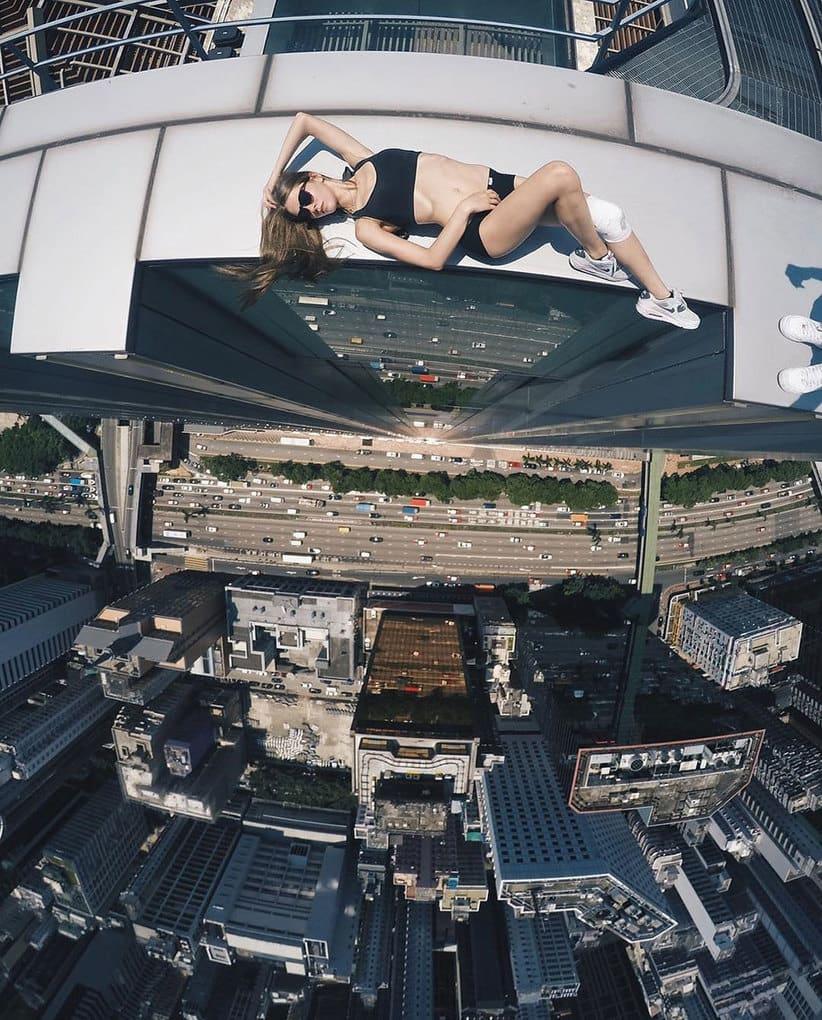 risky-dangerous-selfies-russia-angela-nikolau-7