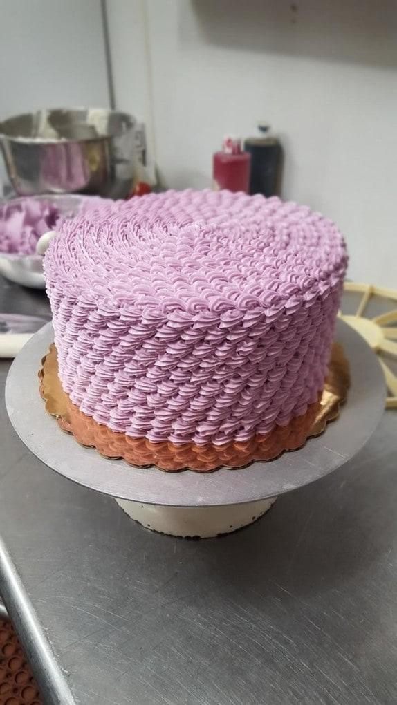 This mesmerizing cake: