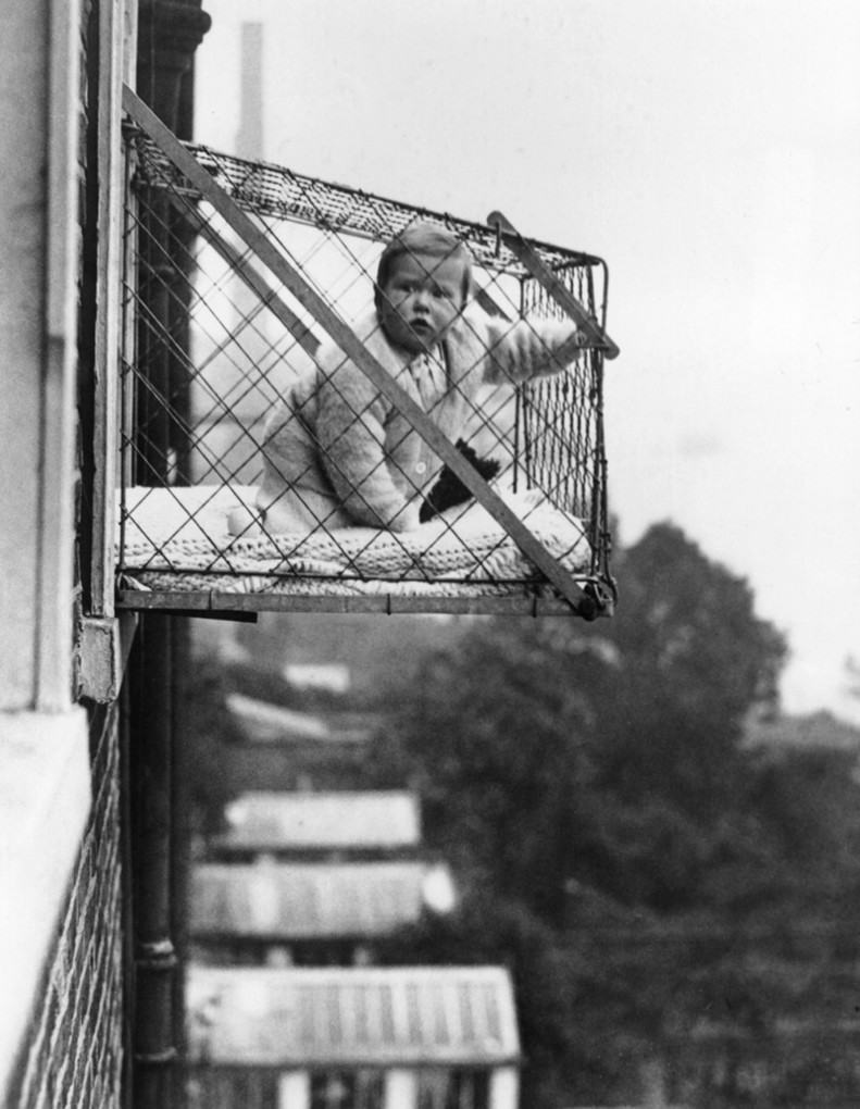 Suspended window-cage playpens, 1934: