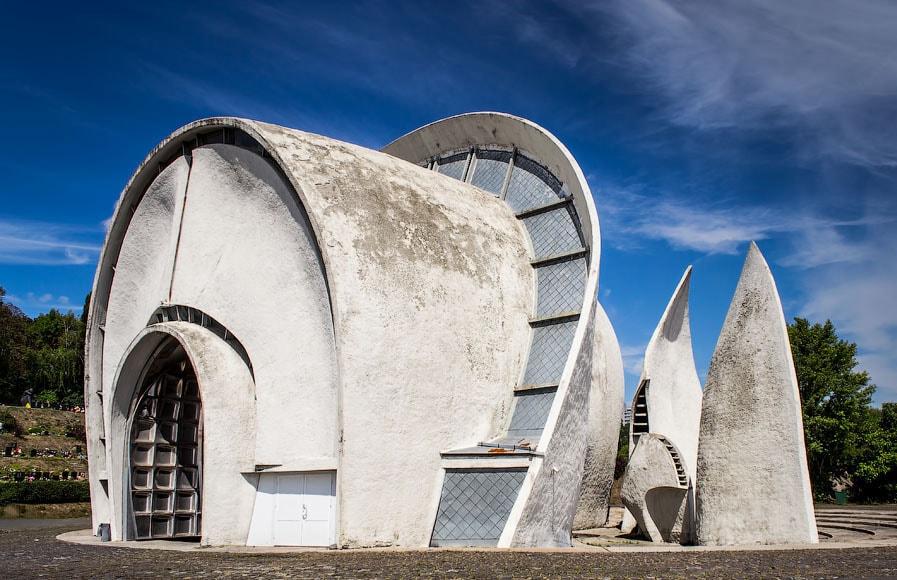 top-15-fantasticheskih-zdaniy-sovetskoy-arhitectury-07