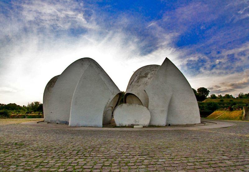 top-15-fantasticheskih-zdaniy-sovetskoy-arhitectury-08