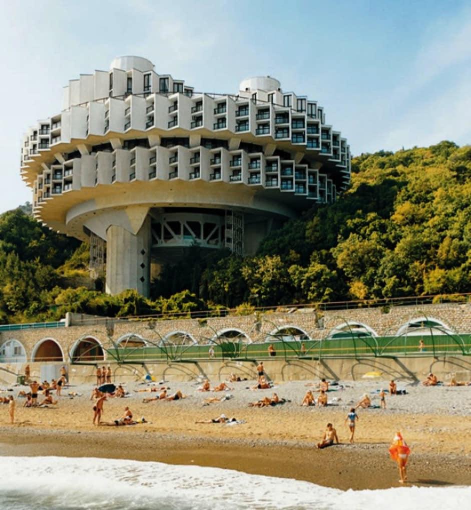 top-15-fantasticheskih-zdaniy-sovetskoy-arhitectury-19