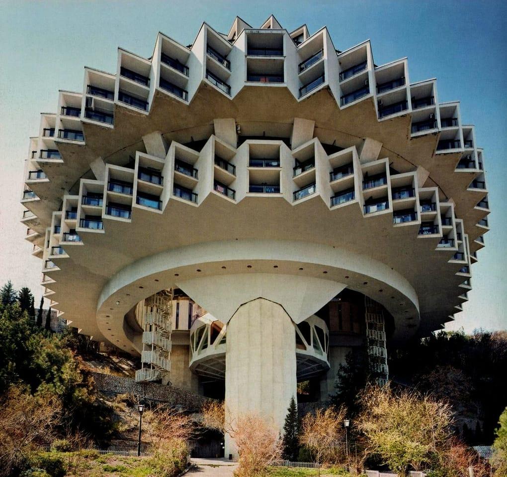 top-15-fantasticheskih-zdaniy-sovetskoy-arhitectury-20
