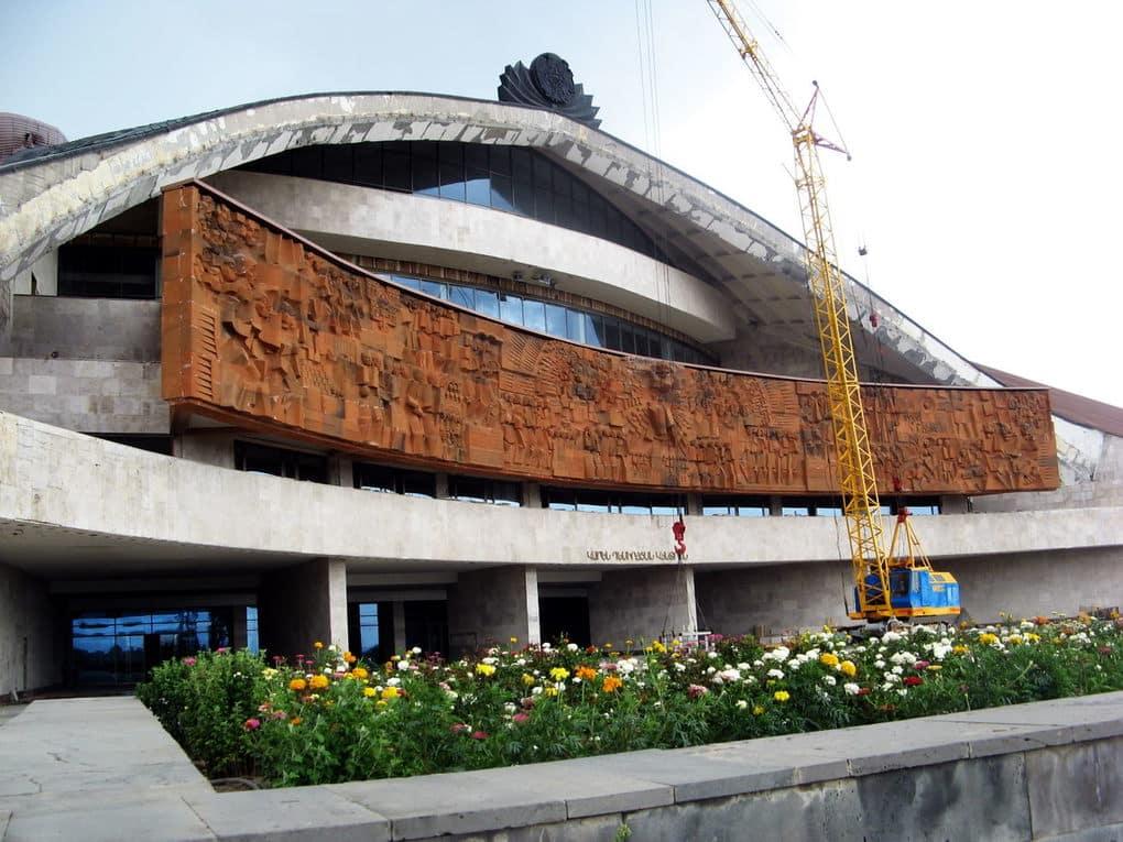 top-15-fantasticheskih-zdaniy-sovetskoy-arhitectury-26