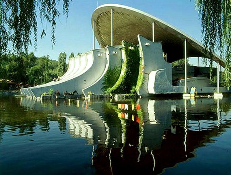 top-15-fantasticheskih-zdaniy-sovetskoy-arhitectury-29
