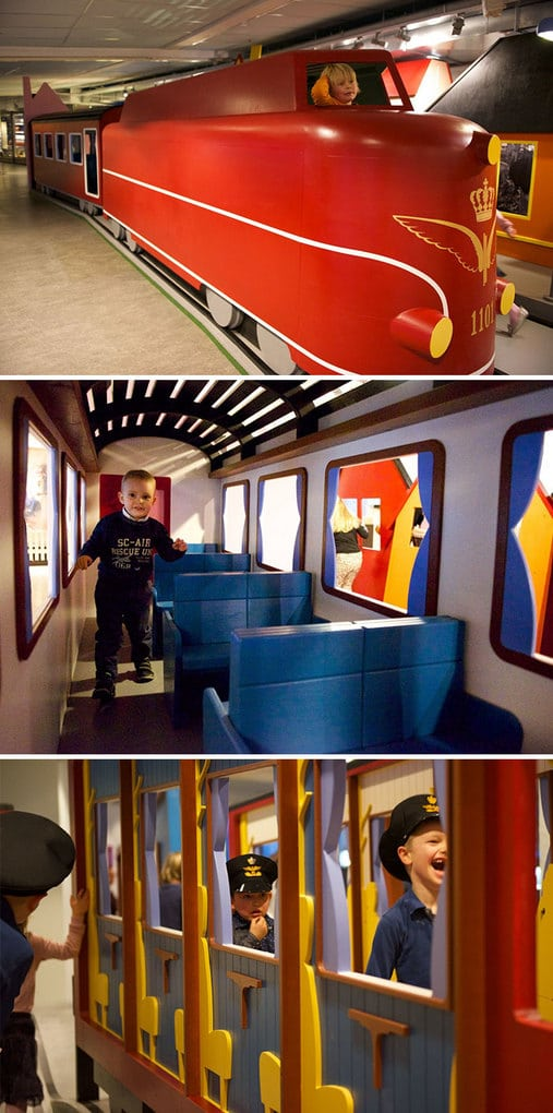 Самолет для детских площадок