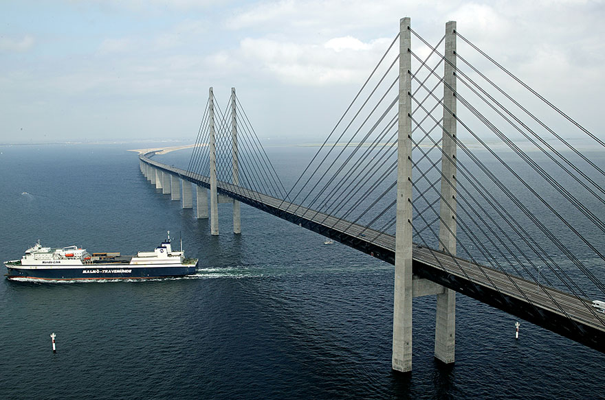 tunnel-bridge-oresund-link-artificial-island-sweden-denmark-4