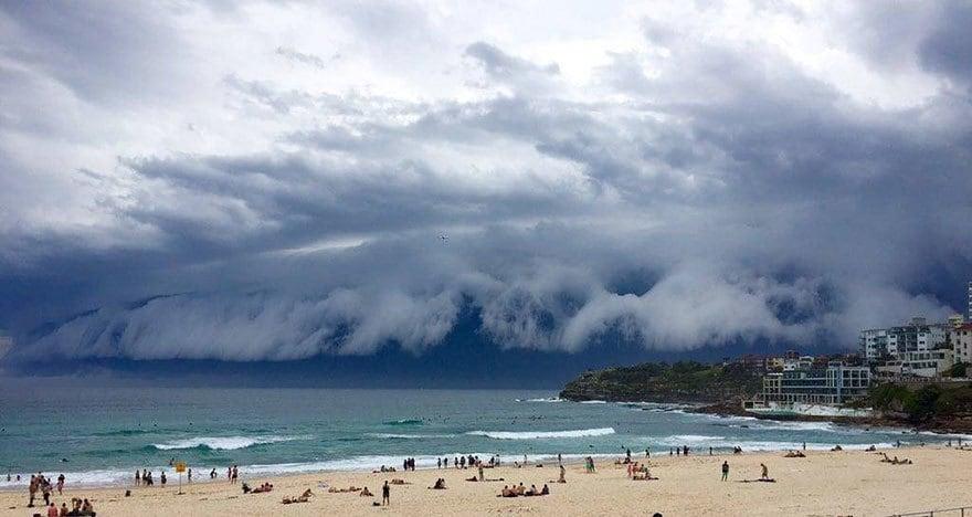 massive-cloud-tsunami-sydney-australia-28
