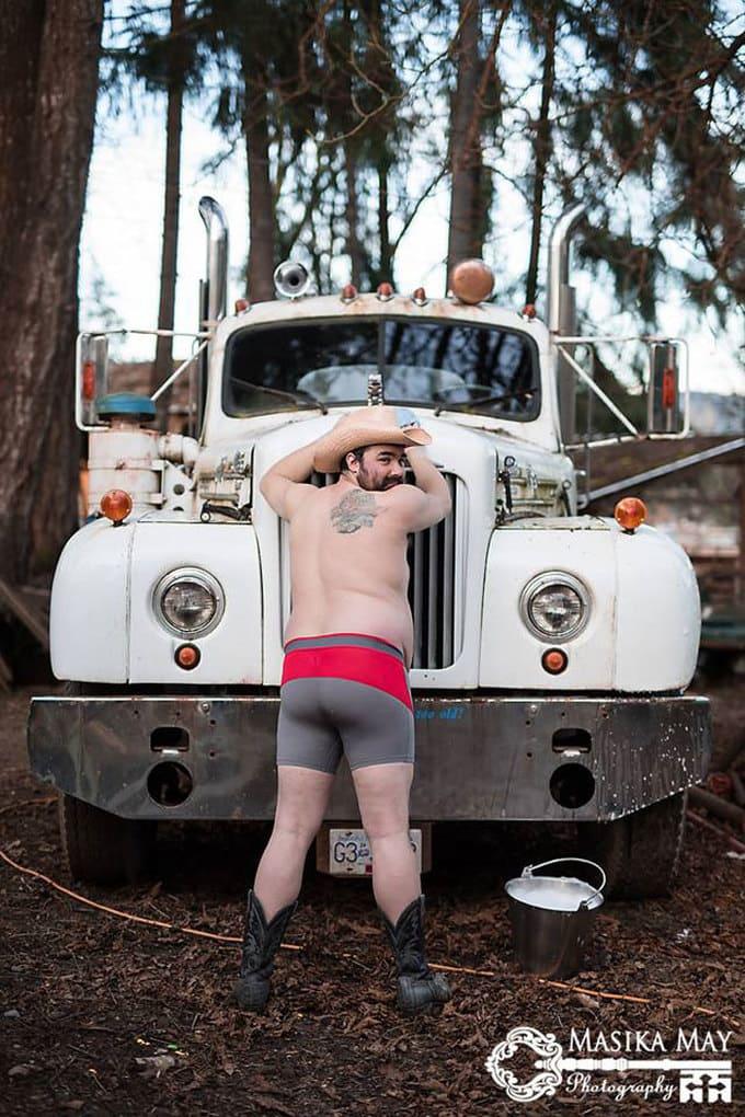 country-style-dudeoir-man-boudoir-photoshoot-masika-may-10