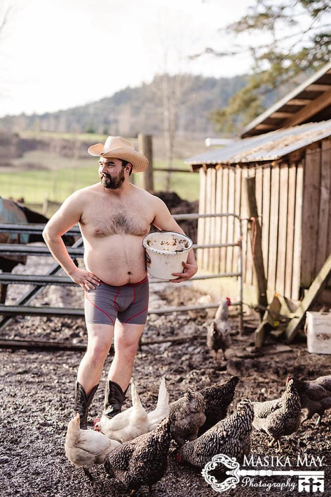 country-style-dudeoir-man-boudoir-photoshoot-masika-may-7