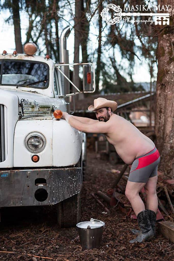 country-style-dudeoir-man-boudoir-photoshoot-masika-may-9