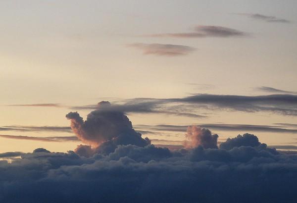 20090725182130_cloud-camel