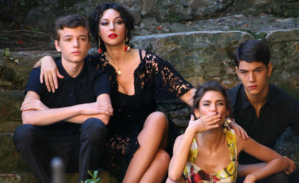 10984_monica-bellucci-durante-la-grabacion-del-spot-dolceandgabbana