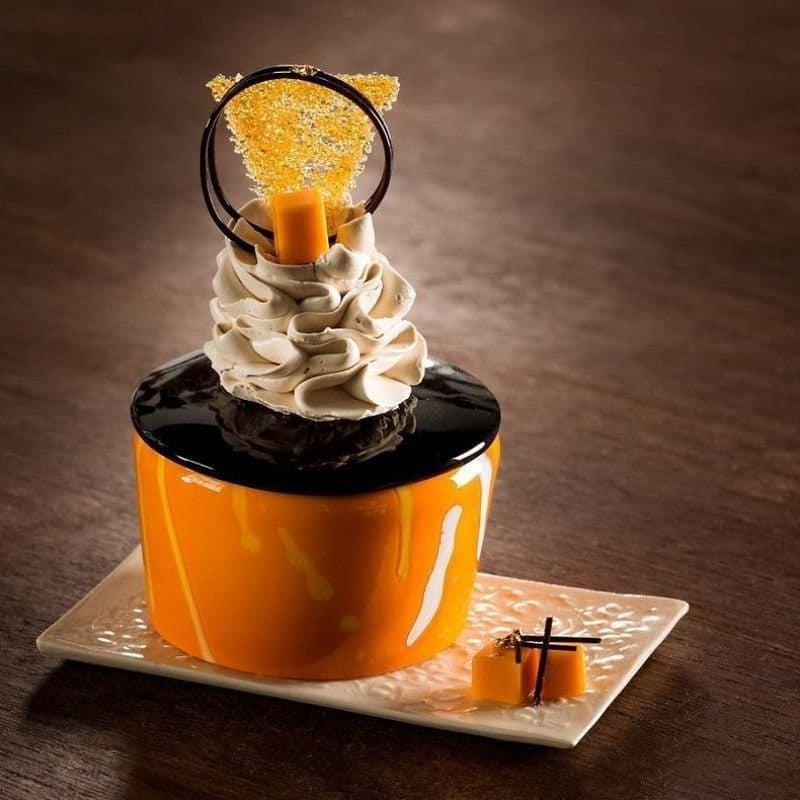 Десерты из стекла от художницы, для которой сахар смертельно опасен