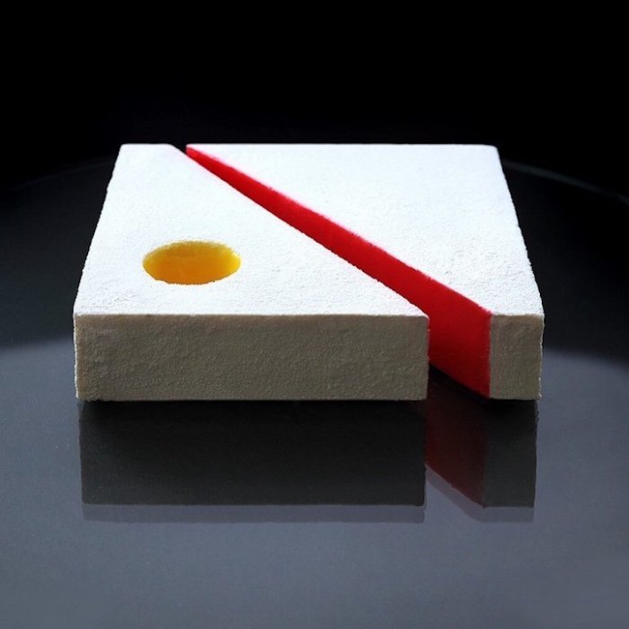 Архитектурно-геометрические десерты Динары Каско
