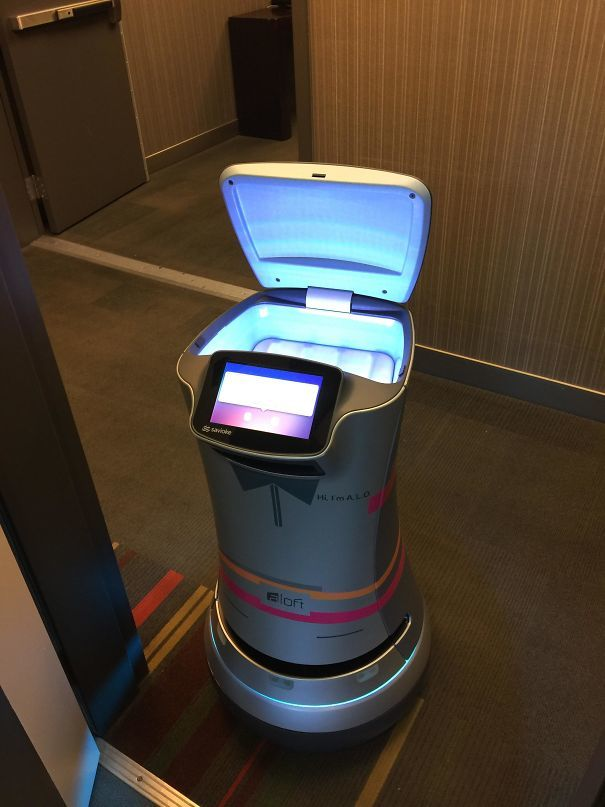 This Robot Delivered A Roll Of Toilet Paper To My Hotel Room In Cupertino