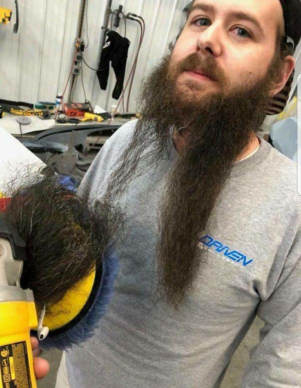 Не знал, что в магазине есть парикмахерская
