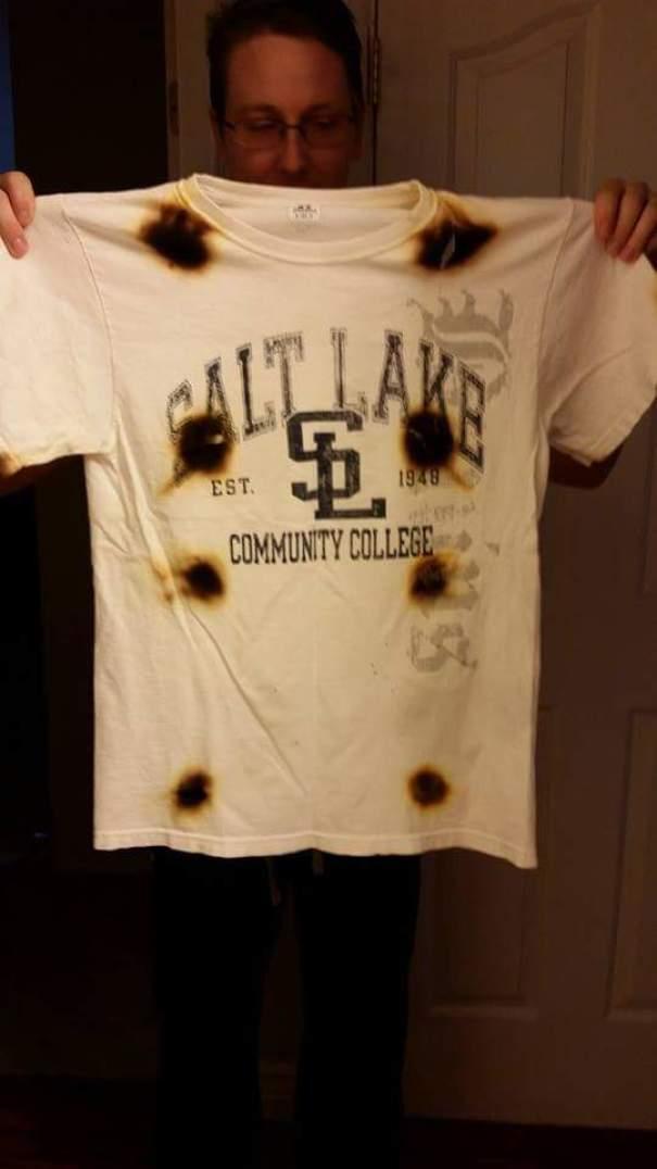 Мой друг мужа думал, что он может микроволновую рубашку, чтобы высушить его быстрее