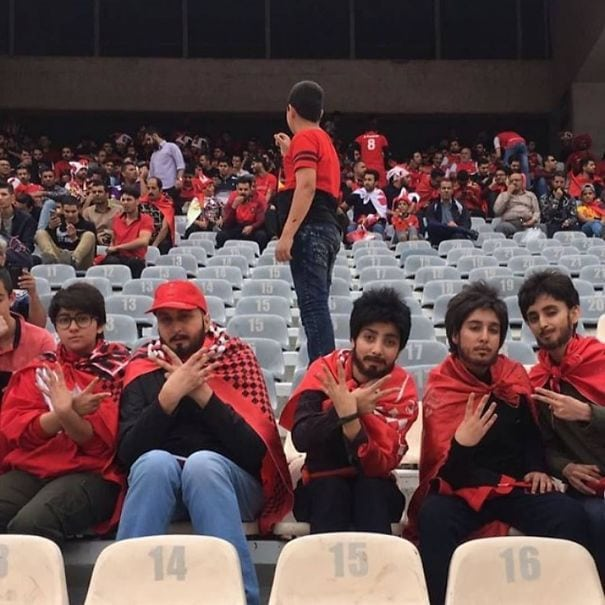 Женщины не могут посещать футбольные матчи в Иране. 5 девушек встретятся на стадионе Азади, чтобы отпраздновать чемпионат Персеполиса в Лиге Персидского залива Ирана
