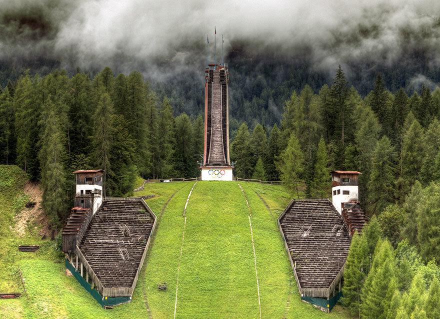 Трамплин башня, Кортина д