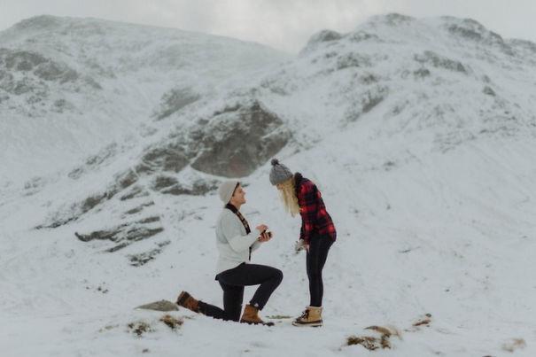 Мы были в середине нигде, в окружении гор, милях от ближайшего человека. Это было, как мы были помещены в какую-то сказочную зимнюю сказку.