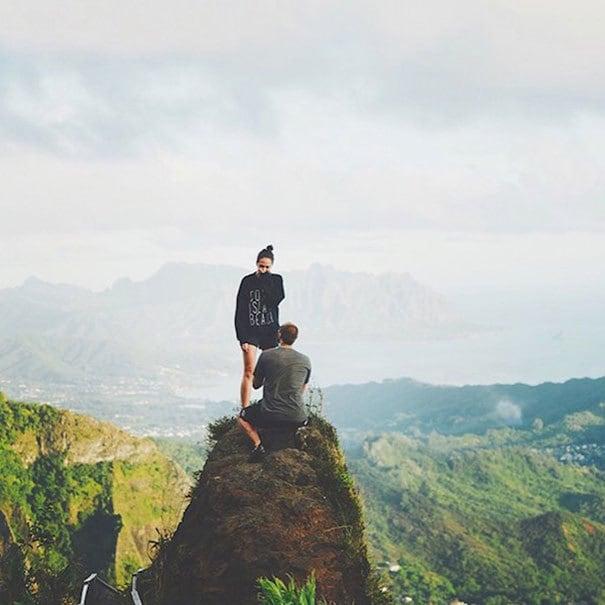Я начал получать вниз от довольно крутой скалы, но Эндрю начал говорить, как этот прекрасный поход напомнил ему о наших отношениях. Потом он опустился на одно колено и попросил меня выйти за него замуж