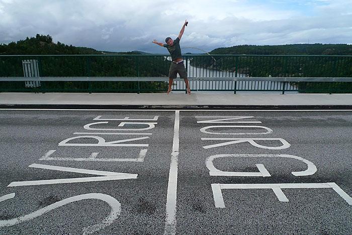 Свинесундский мост, через фьорд Идде залива Свинесунд на границе Швеции и Норвегии.