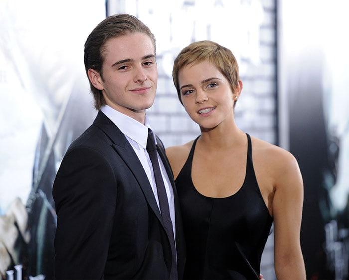 Эмма Уотсон с ее братом Алексом