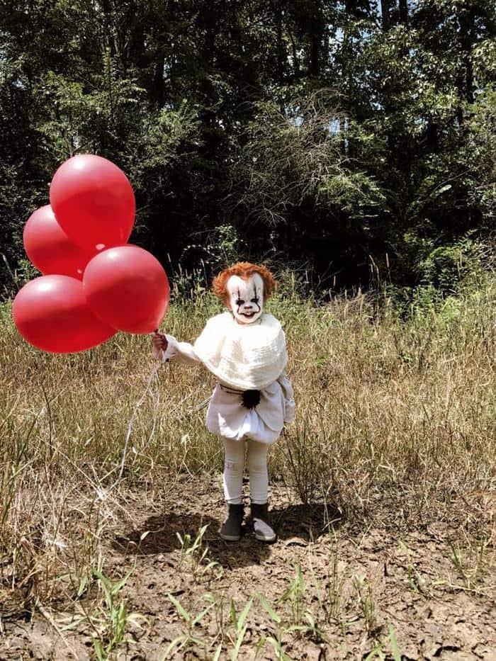 clown-child-photoshoot-movie-it-pennywise-eagan-tilghman-14