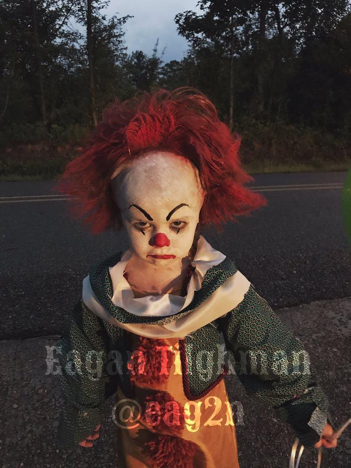 clown-child-photoshoot-movie-it-pennywise-eagan-tilghman-8