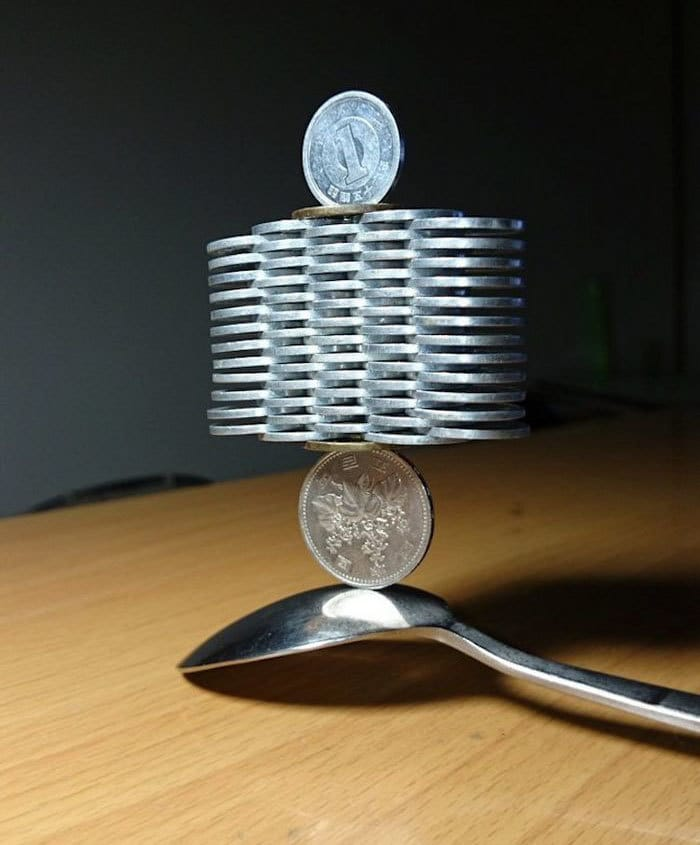 coin-stacking-gravity-thumbtani-japan-11a