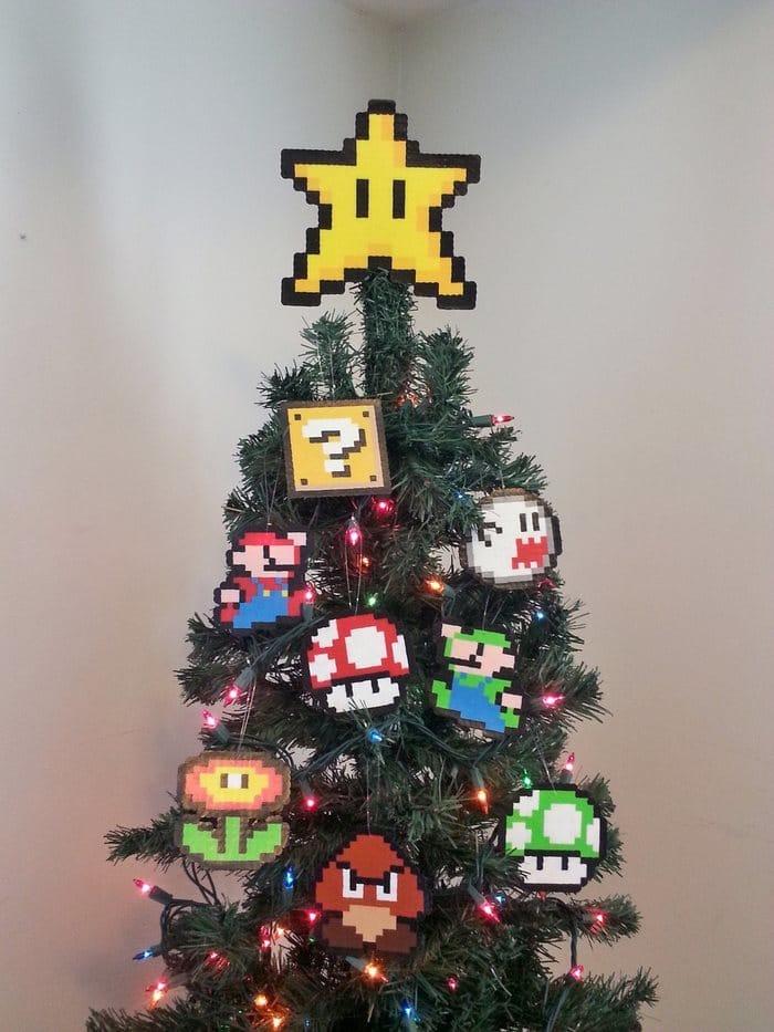 Mario Bros Christmas Tree Topper And Ornament Set
