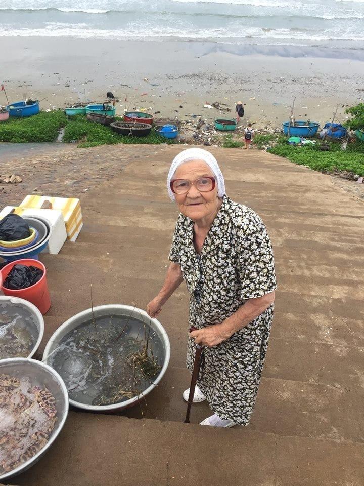89-летняя жительница Красноярска путешествует по миру на свою пенсию пенсия, путешествие