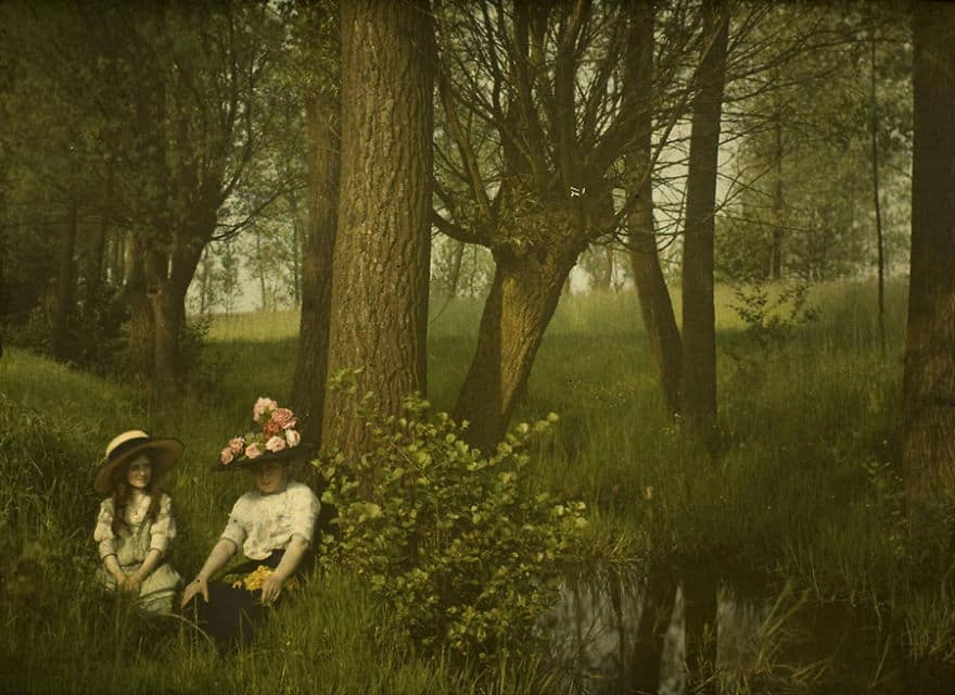 Woman And Girl By A Brook, 1910