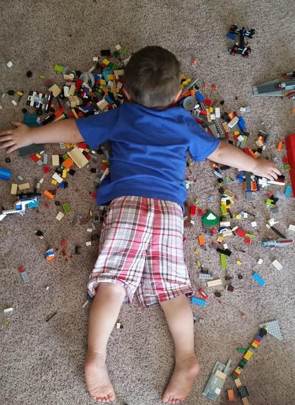 Дремая На Legos. Мой сын Может быть Бессмертный