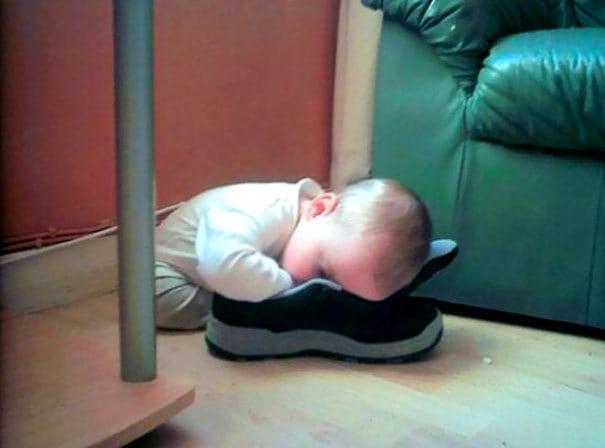 Дремая в обуви