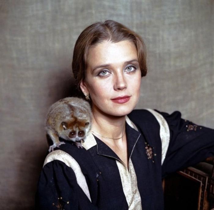 Известная советская и российская актриса театра и кино, народная артистка России.