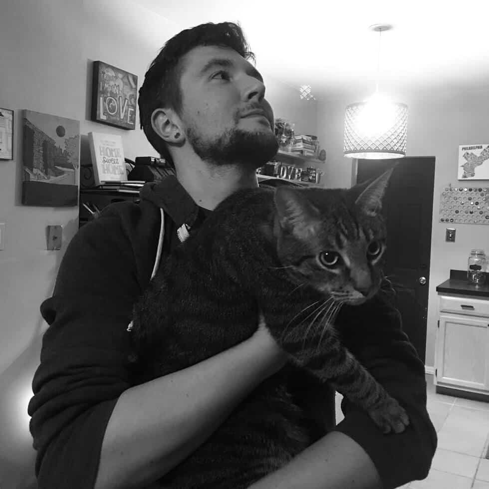 man takes pictures with every cat he meets 8 (1)