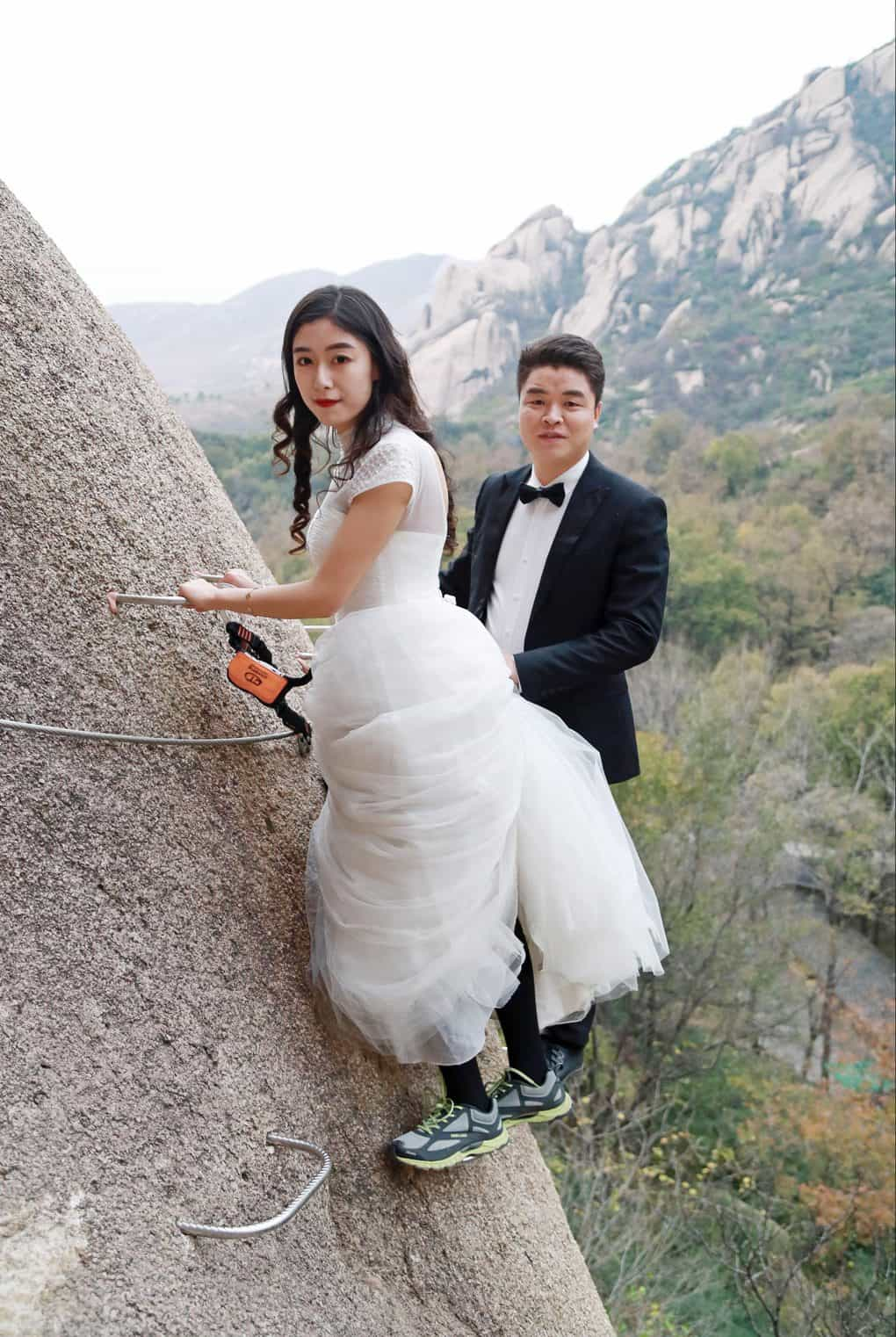 The newlywed Chinese couple defied traditional photos for something truly unforgettable