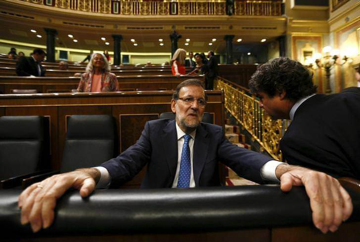 The Prime Minister of Spain has the biggest hands and longest arms in the world