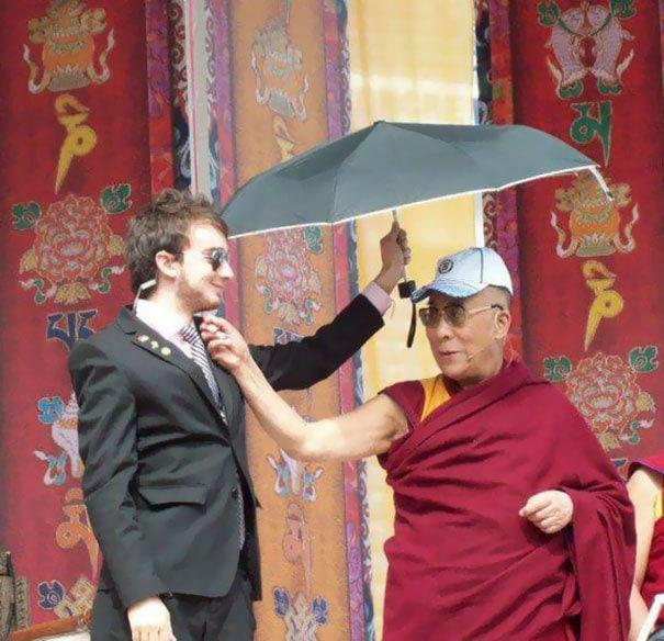 Мой друг сказал мне, что он работал над безопасностью для Далай-ламы. Я не верил ему, пока он не опубликовал это на своем Facebook
