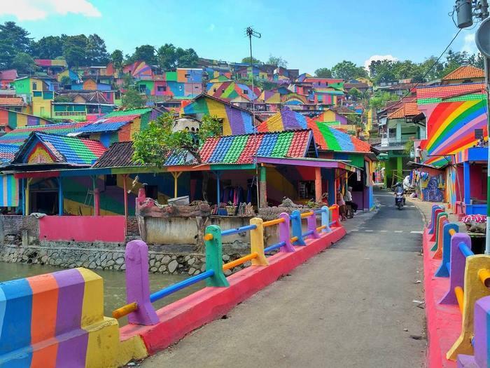 rainbow-village-kampung-pelangi-indonesia- (1)