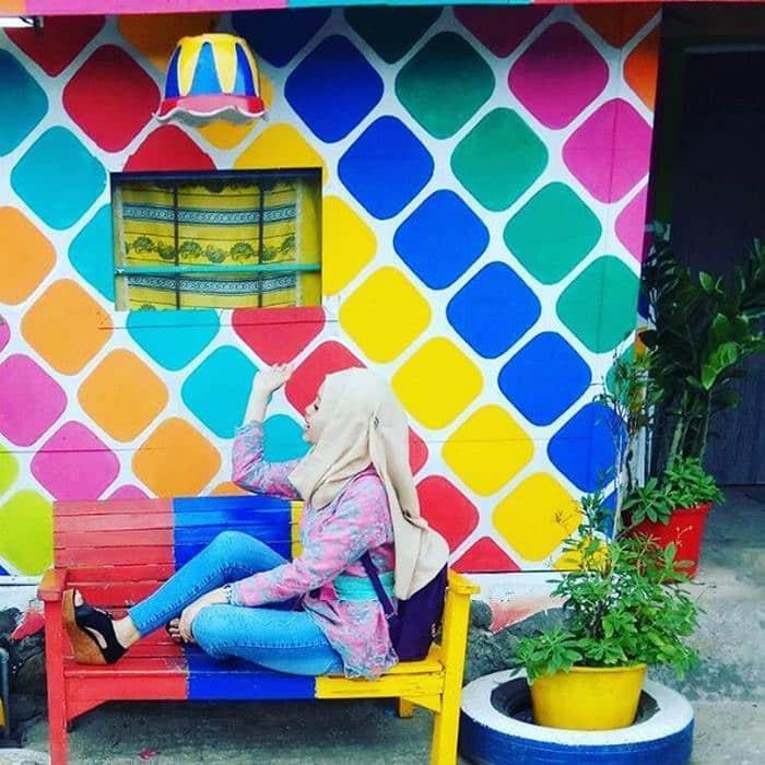 rainbow-village-kampung-pelangi-indonesia- (2)