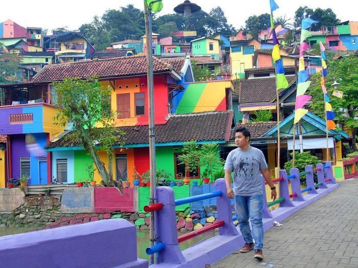 rainbow-village-kampung-pelangi-indonesia- (7)